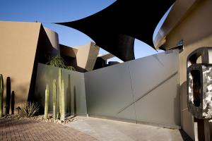 Desert Reflections Modern Green Architecture 6